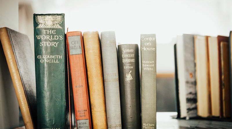 Top 4 Books To Understand Politics